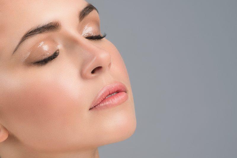 Кои се придобивките од хијалуронска киселина за кожа?